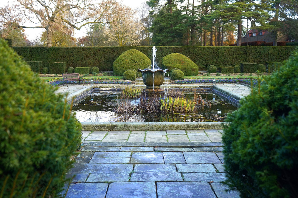 How to Choose the Right Water Features for Your Landscaping Project